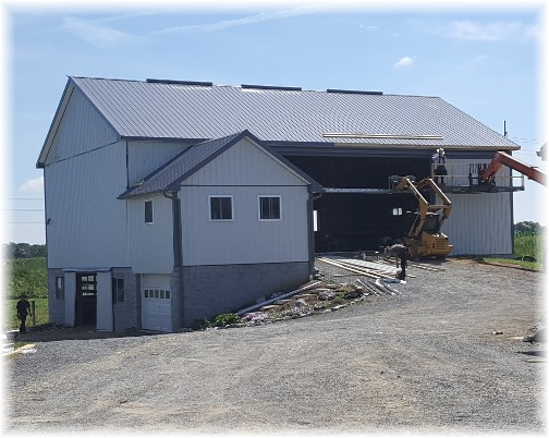 Amish barn rebuilt Kraybill Church Road 8/19/16