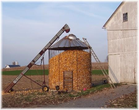 Corn crib in Lancaster County PA