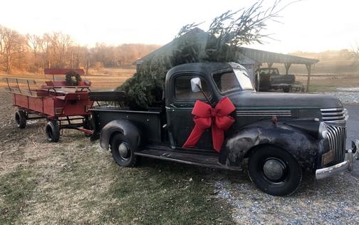 Strasburg Pike Chevrolet truck and wagon 12/12/19