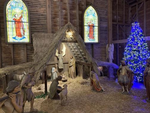 Star Barn nativity scene 12/19/19