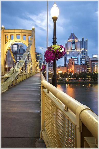 Pittsburgh bridge (photo by Howard Blichfeldt)