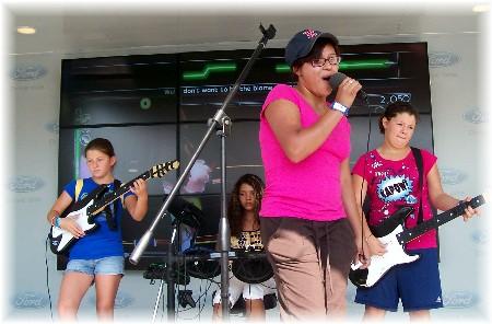 Ester singing karioke at Ohio State Fair 2009