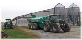 Pig manure spreader 11/11/14