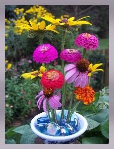 Frogpin Cluster flower arrangement
