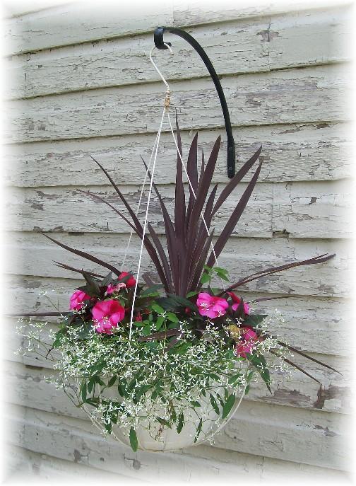 Lapp wall flower arrangement