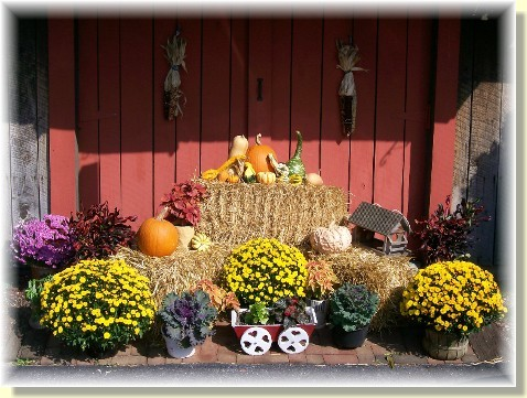 Autumn decorations at the Weber house 2010