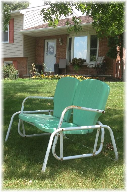 Lawn glider