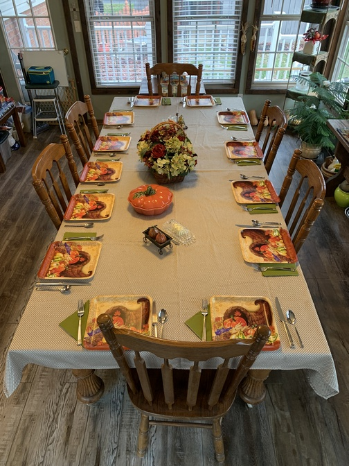 Thanksgiving table 2019