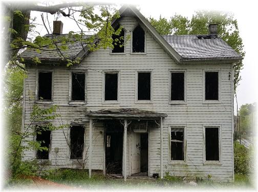 Abandoned house, Columbia, PA 5/6/16