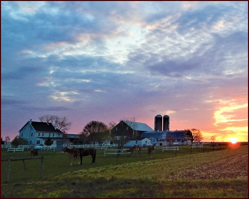 Sunrise on an Amish farm (Lamar Dourte)
