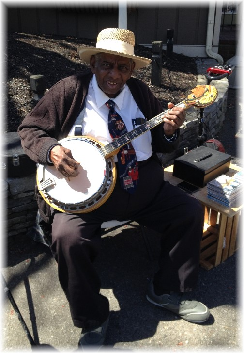 Banjo Jim at Kitchen Kettle Village 4/16/15
