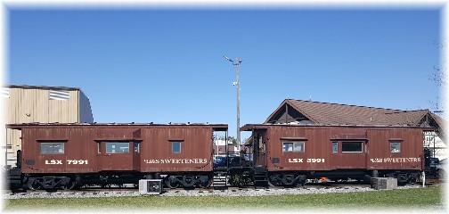 L&S Sweetener cabooses 3/29/17