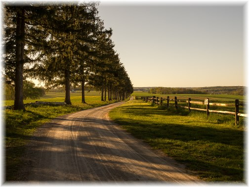Lancaster County country lane (photo by Frank G. Heron) click to enlarge