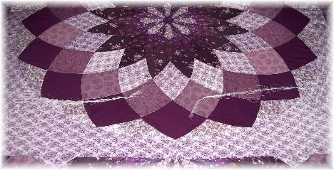 Grand Dahlia quilt