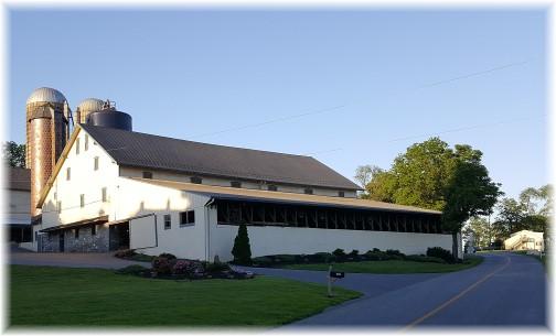 Mount Joy, PA barn 6/1/17 (Click to enlarge)