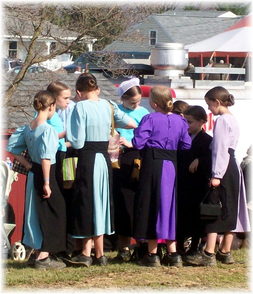 Amish girls at Penryn Mud Sale 3/17/12