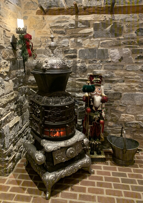 Star Barn pot-bellied stove 12/19/19