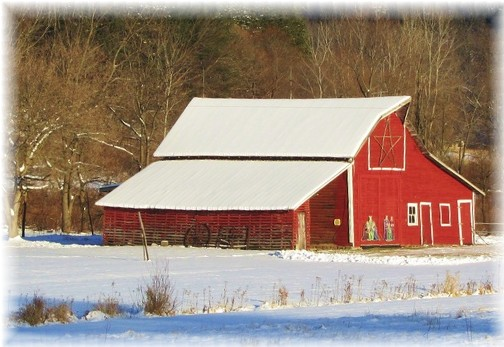 Wisconsin red barn in snow (Photo by Georgia)