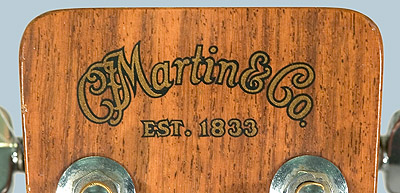 Martin guitar insignia