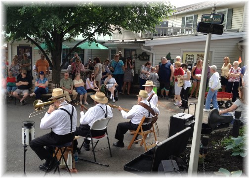 Banjo Jimmy and Kitchen Kettle Village band 5/16/15