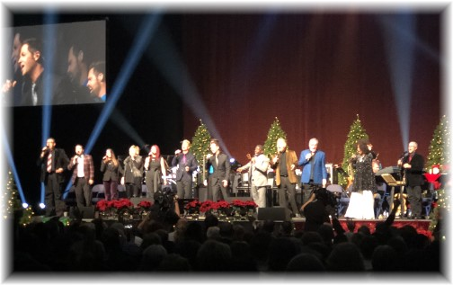 Final song at Gaither homecoming concert, Reading, PA 12/9/17