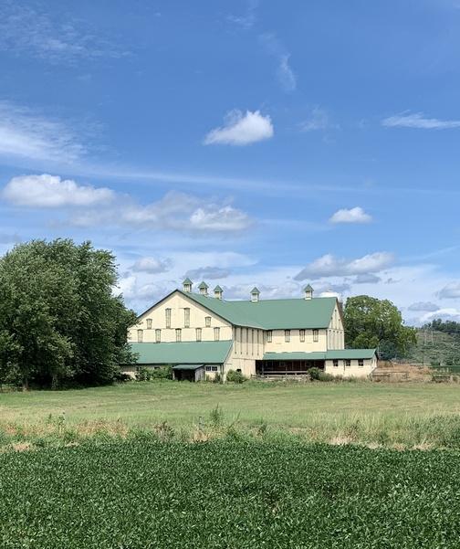 Barn near Beaver Valley rail trail