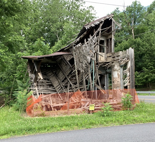 Dilapidated house, Lebanon County, PA