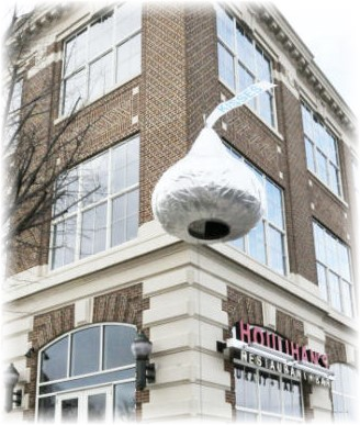 Giant Hershey kiss raised New Year's Eve