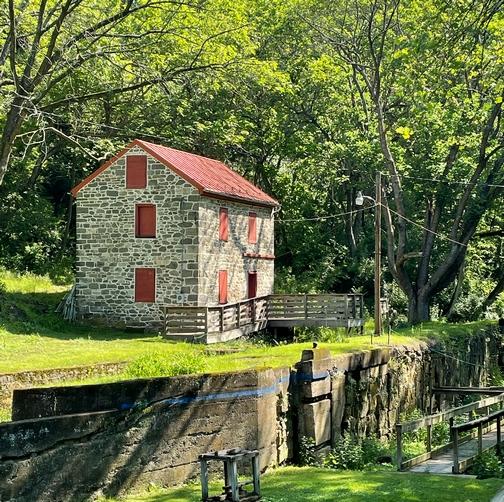 Lehigh Canal lockmaster's house