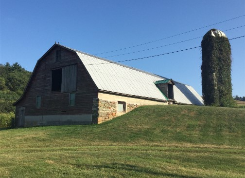 Stone bank barn along York Heritage Rail Trail 9/8/15
