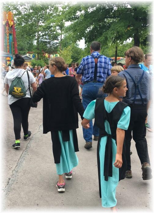 Children arriving at Knoebel's Park 7/25/17