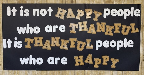 Thankful people poster in Sunset Outlet store, Lebanon, PA 11/26/19