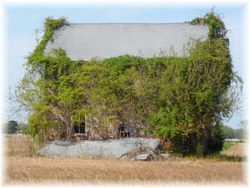 Abandoned farmhouse near Berlin Maryland