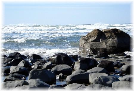 Oregon coastline (photo by Shirley Richardson)