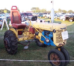 Photo of tractor with bucket seat