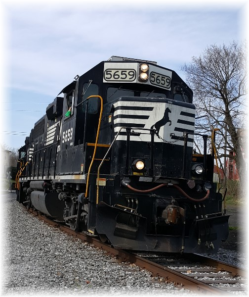 Lancaster Junction train 4/5/17