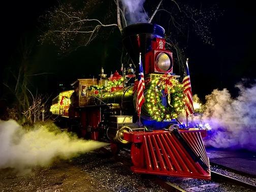 Star Barn train at Christmas
