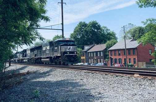 Train through Marietta, Lancaster County PA 6/3/20 (Click to enlarge)