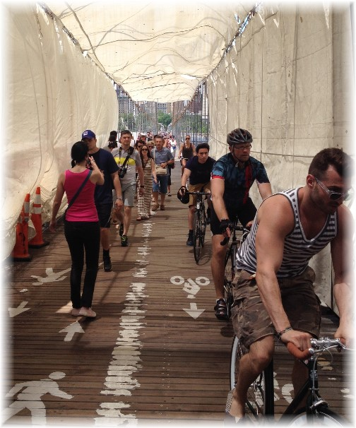 Brooklyn Bridge bike path 5/26/14)