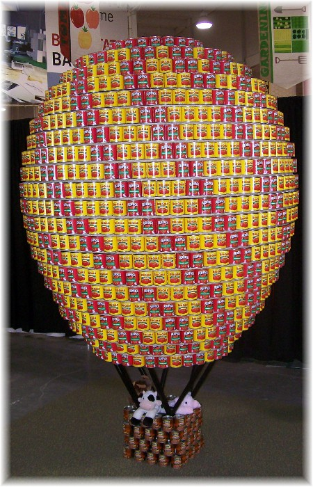 Balloon made of cans