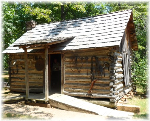 Cherokee log cabin used in late 1800's