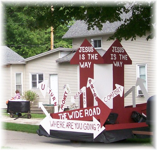 Middlebury Indiana parade float