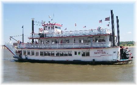 Tom Sawyer riverboat on Mississippi River