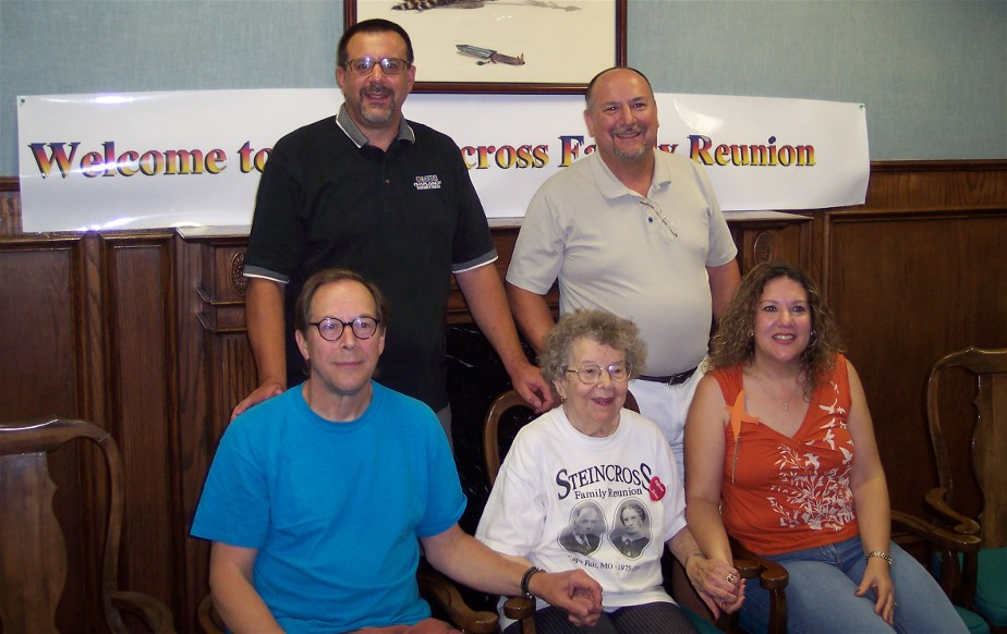 Photo of Weber family at 2005 Steincross reunion