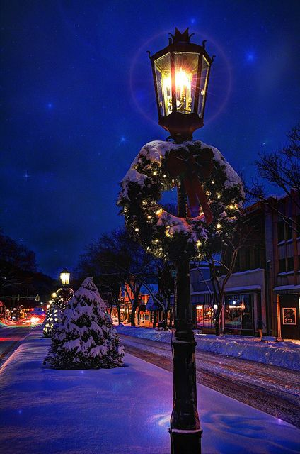 Main Street gas light in Wellsboro, PA (from Pinterest, https://www.flickr.com/photos/stevecarroll/)