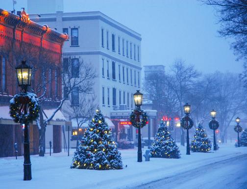 Main Street gas lights in Wellsboro, PA (from publicbroadcasting.net)
