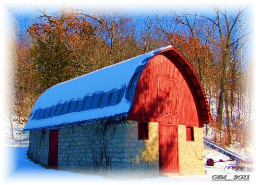 Wisconsin barn (photo by my cousin)