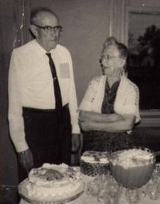 Photo of my grandparents, George and Nellie Mae Steincross